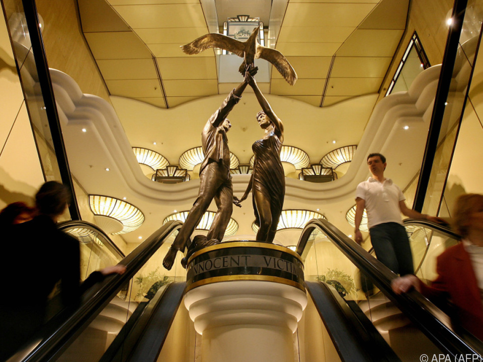Die Bronzestatue soll an Mohamed Fayed zurückgegeben werden