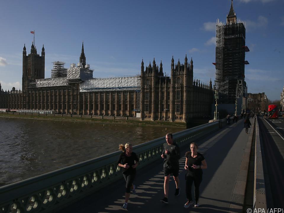 Grundlegender Beschluss im Parlament in London