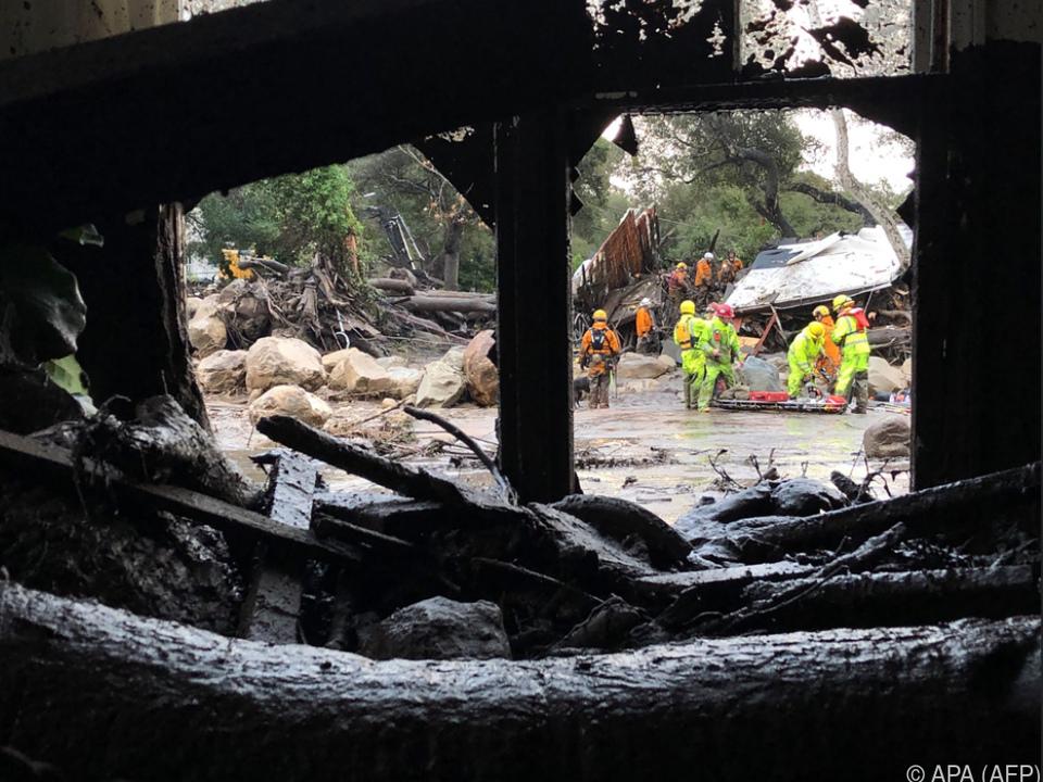 Häuser wurden vom Wasser mitgerissen