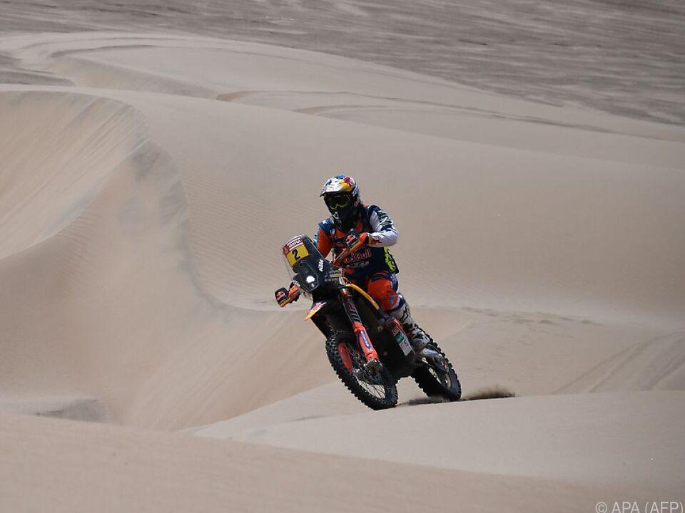 Hoch zu motorisiertem Ross über die Dünen