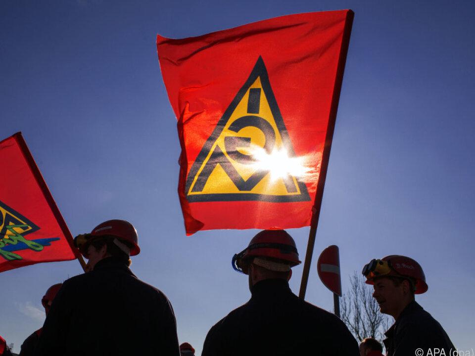 IG Metall plant für Montag Warnstreiks