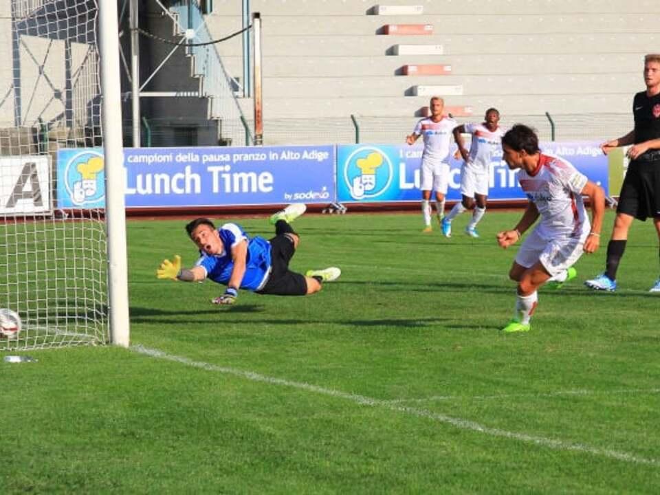 il-gol-partita-di-costantino-contro-la-triestina-ad-agosto-in-coppa-italia