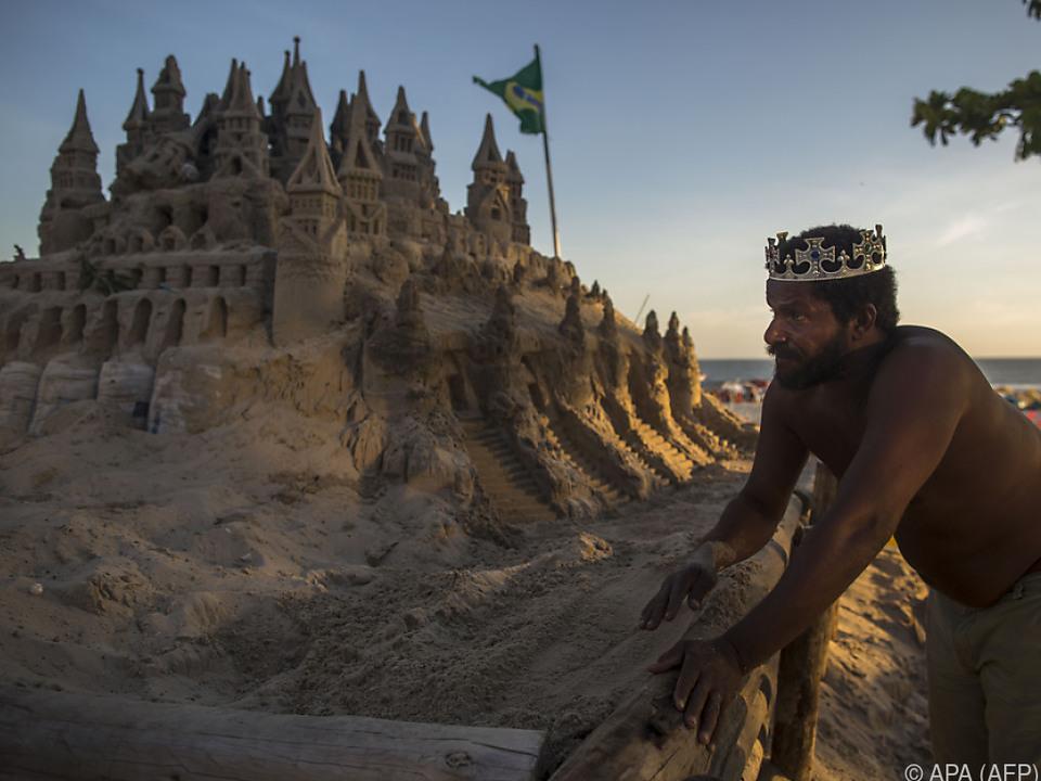 Matolias muss beständig an seinem Schloss arbeiten