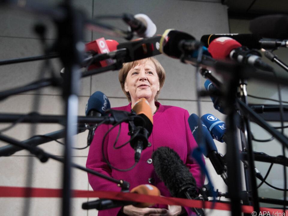 Merkel lehnt eine Minderheitsregierung strikt ab
