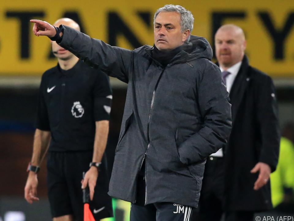 Jose Mourinho verlängert bei Manchester United