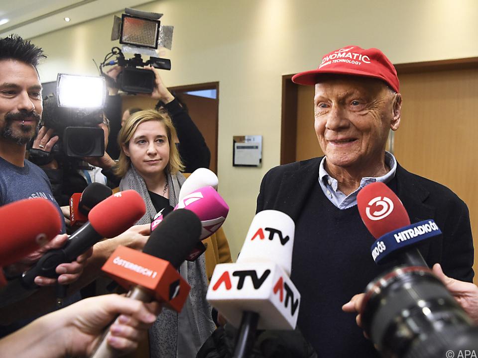 Niki Lauda trat am Mittwoch vor die Niki-Belegschaft