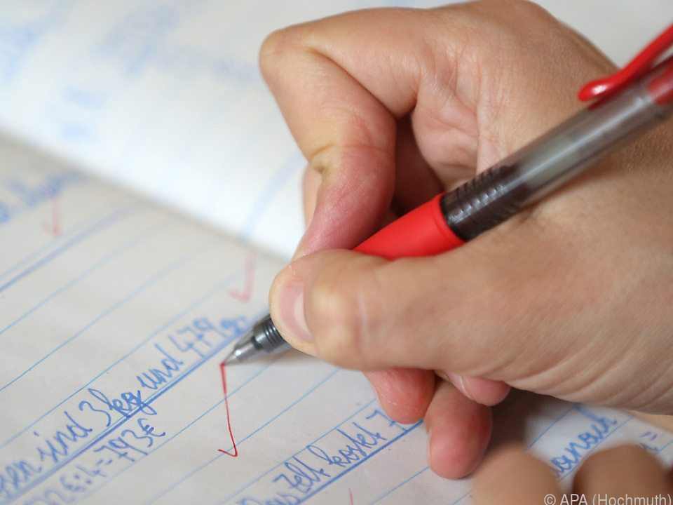 Oft unterrichten bereits Lehramtsstudenten ohne Abschluss