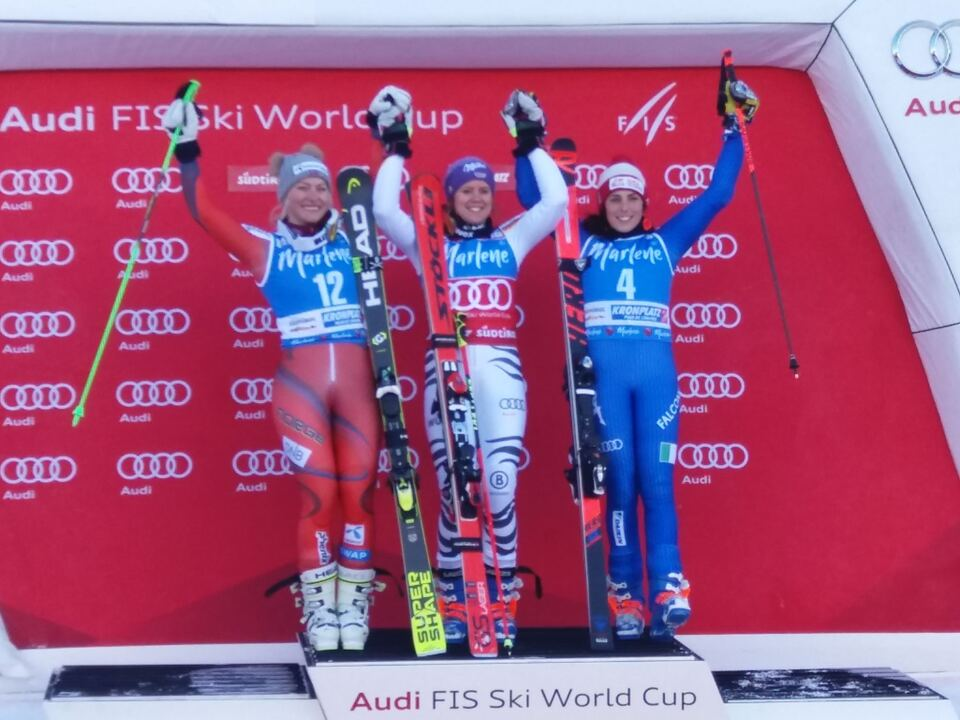 podium-ladies-2018
