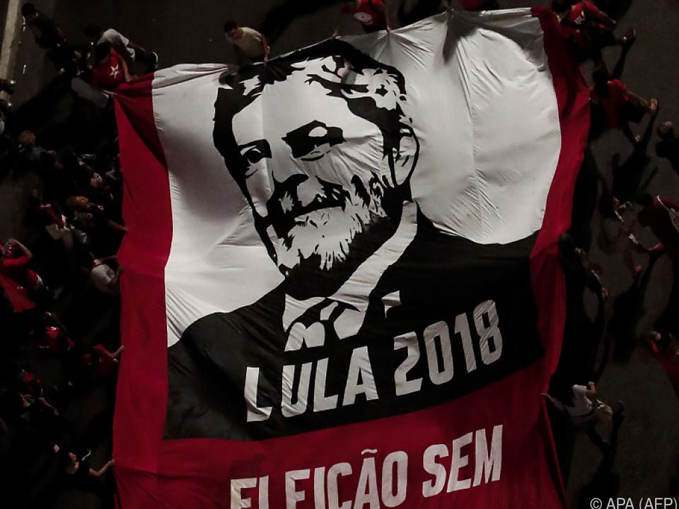 Tausende Anhänger forderten Lulas Kandidatur