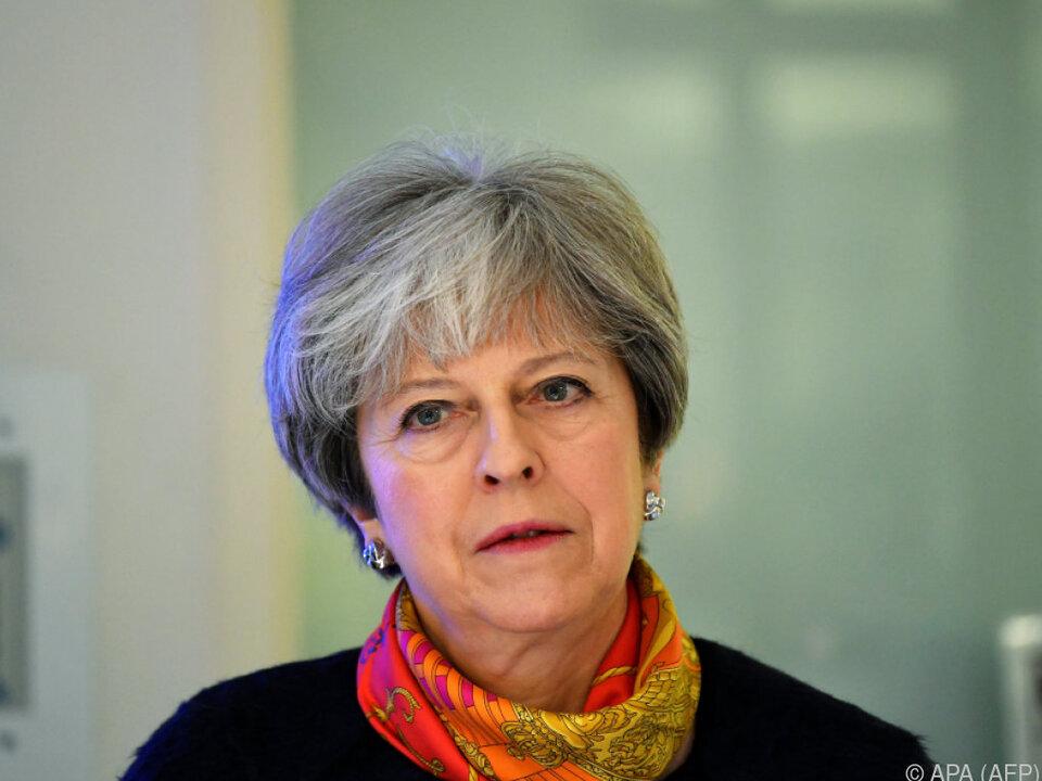 Theresa May ist mit einigen Rücktritten konfrontiert