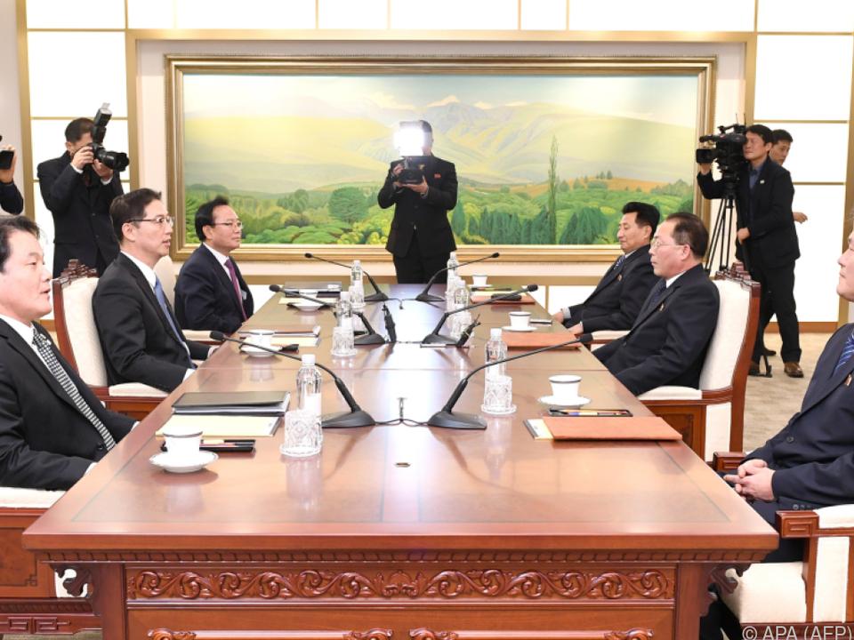 Süd- und Nordkorea laufen bei Olympiaeröffnung gemeinsam ein