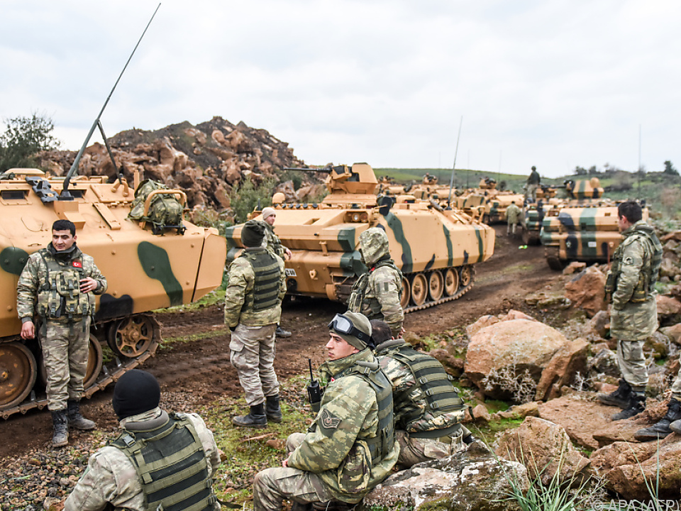 Türkische Bodentruppen auf dem Vormarsch