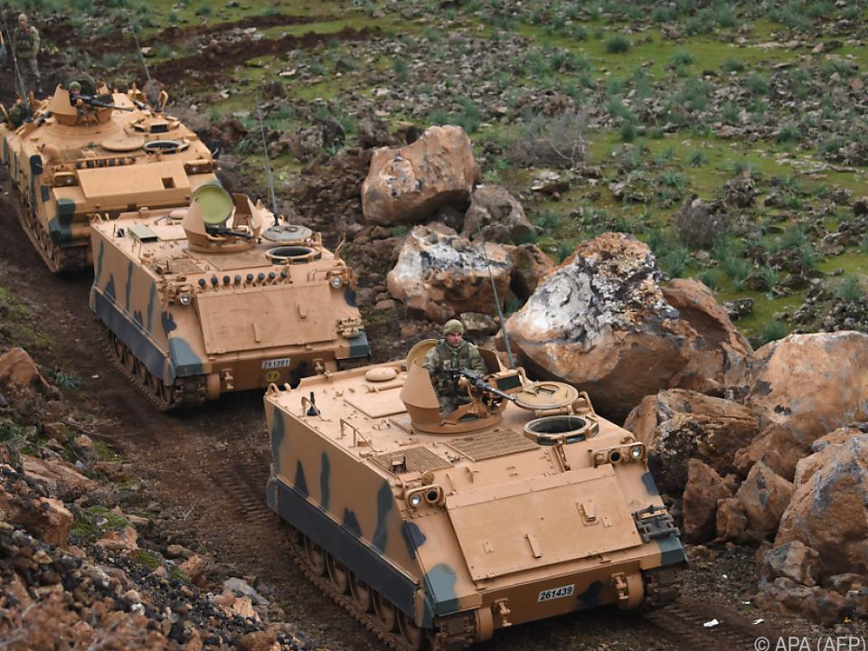 Türkische Truppen im syrischen Grenzgebiet
