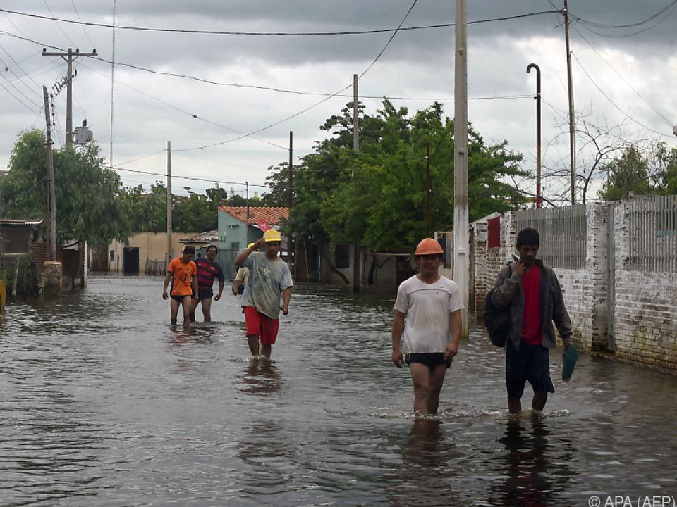 Ungewöhnliches Hochwasser in Asuncion