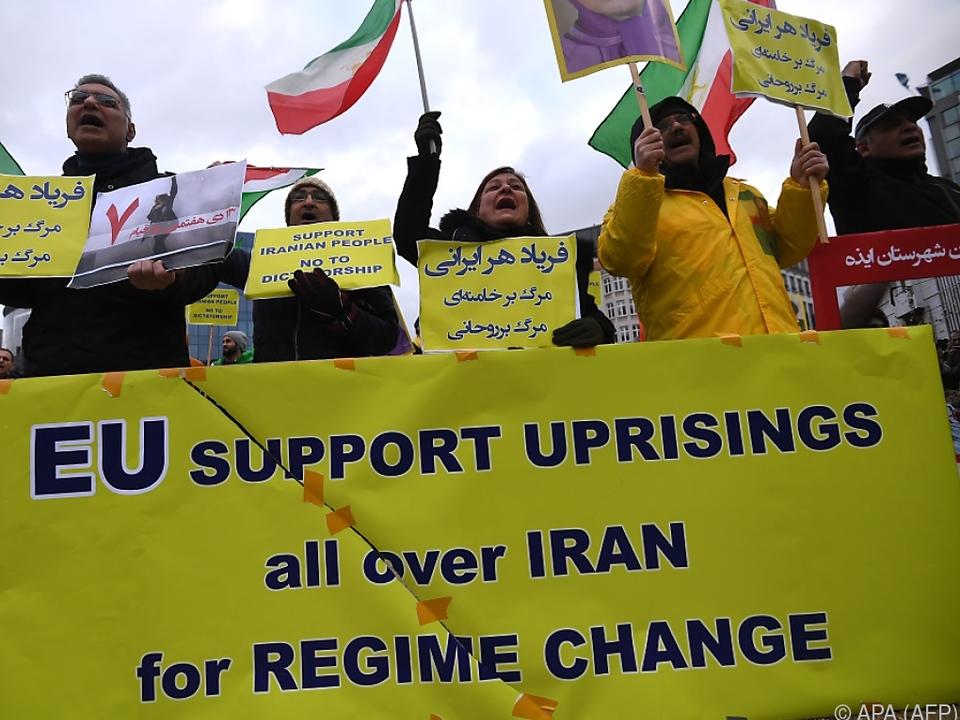 Viele Iraner wollen endlich in Freiheit leben