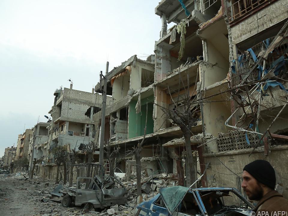 400.000 Zivilisten eingeschlossen