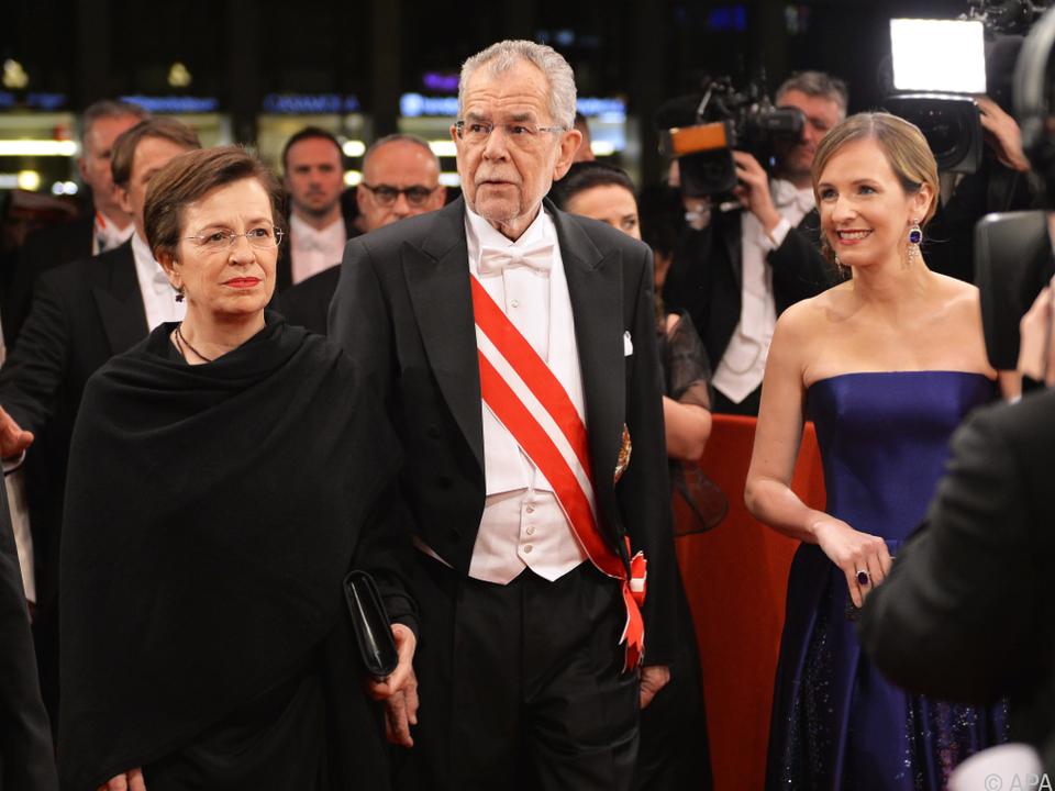 Bundespräsident Van der Bellen beim Opernball 2017
