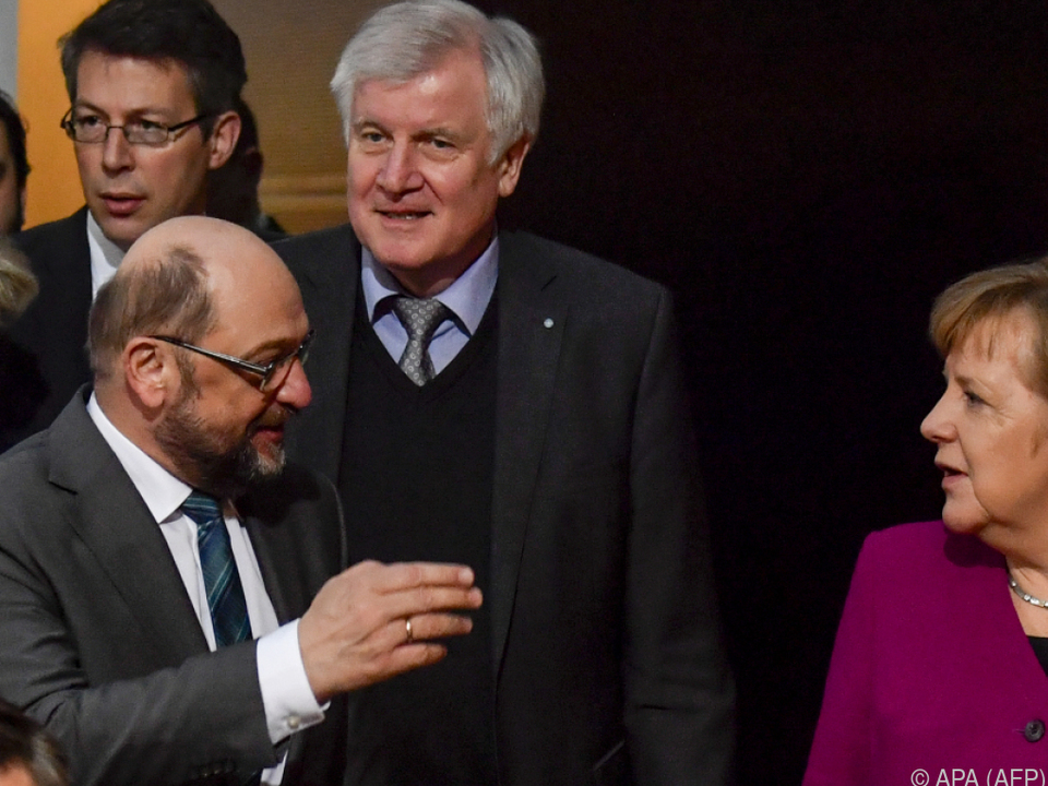 CDU, CSU und SPD hatten einen Abschluss am Sonntag angepeilt