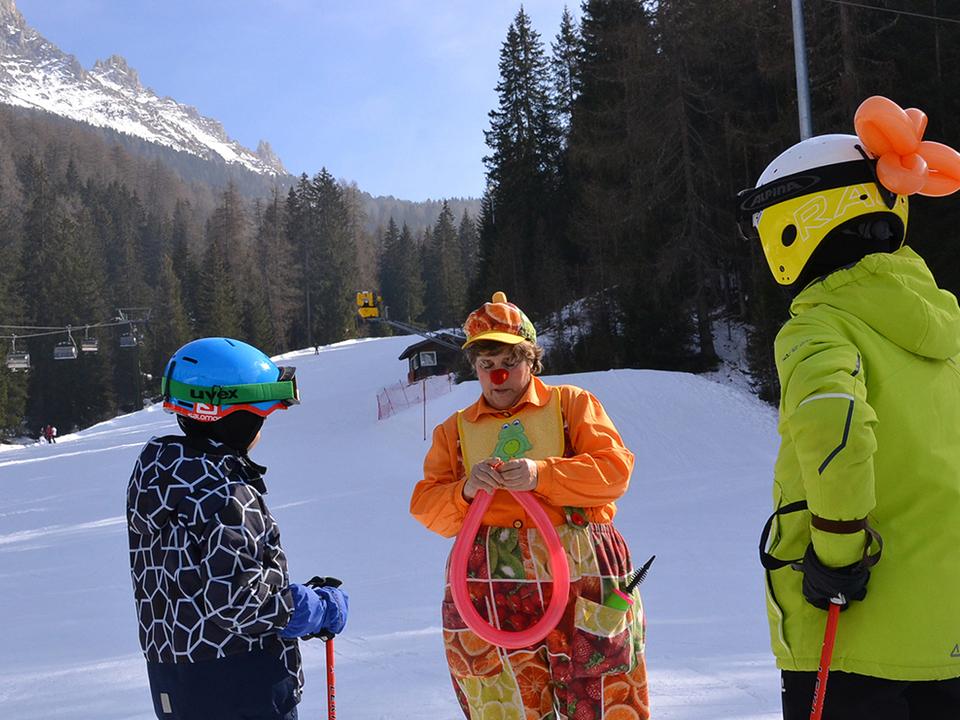 clowndoctors_skischool_obereggen_1