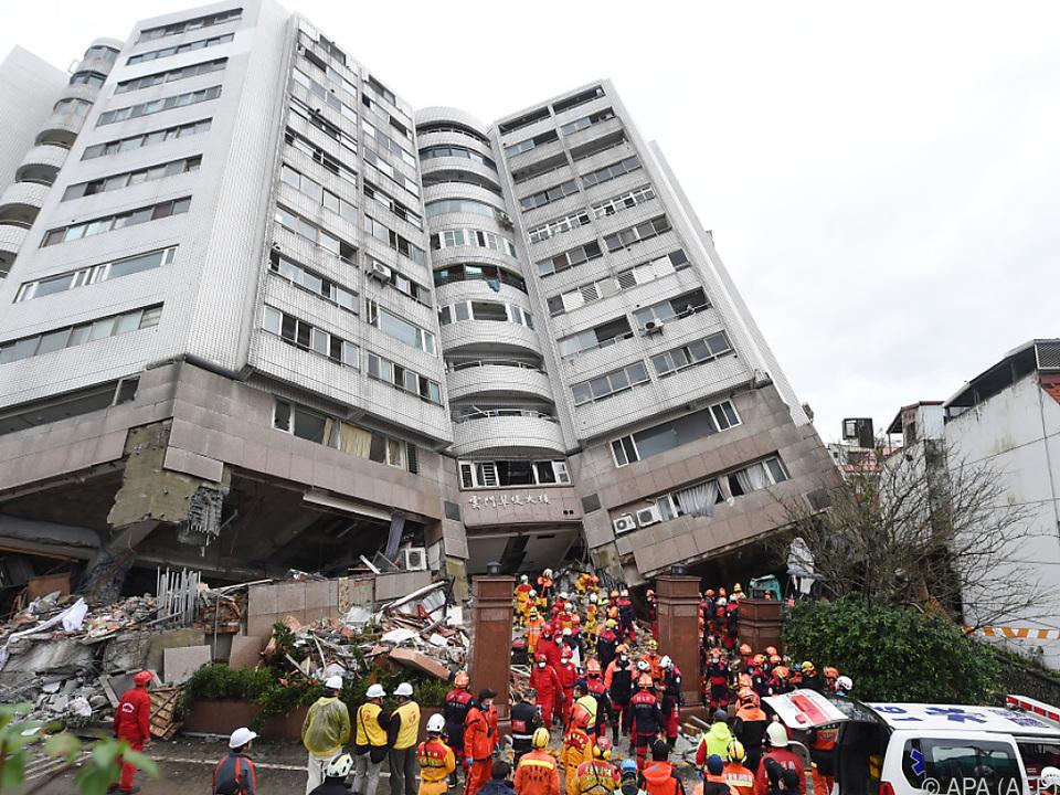 Das Wohnhaus geriet in gefährliche Schieflage
