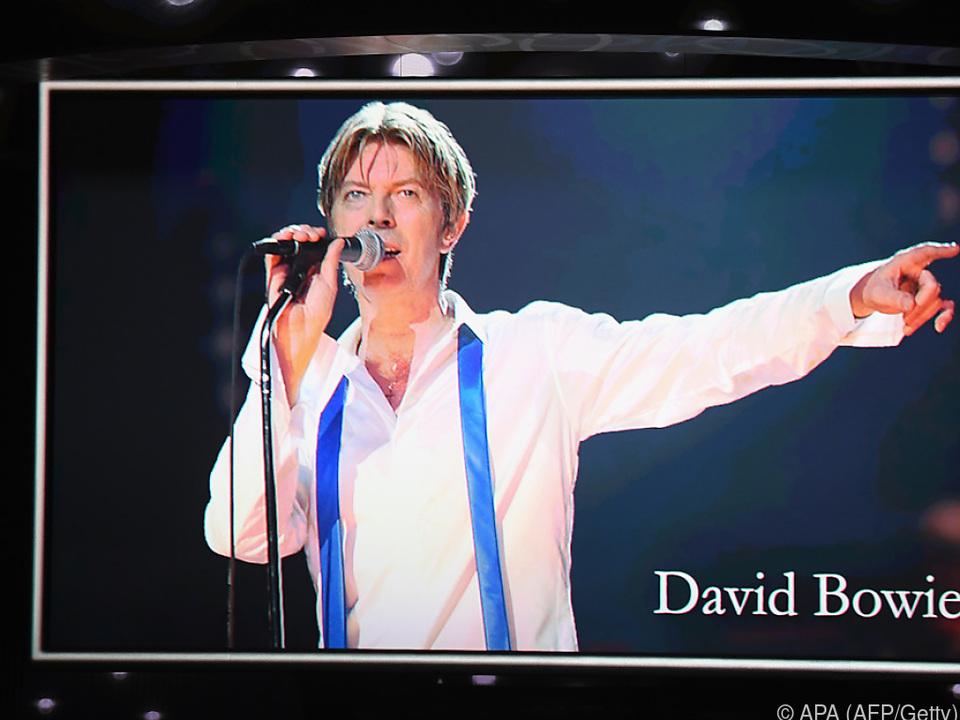 David Bowie verzaubert die Menschen auch noch nach seinem Tod