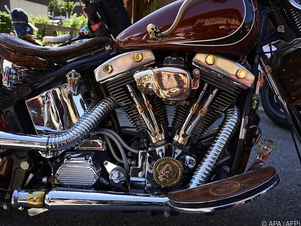 Die Kult-Motorräder könnten in die Streitigkeiten gezogen werden harley davidson chopper motorrad sym