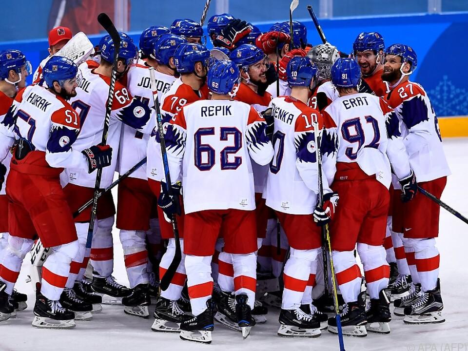 Die Tschechen bejubeln ihren Sieg nach Penaltyschießen