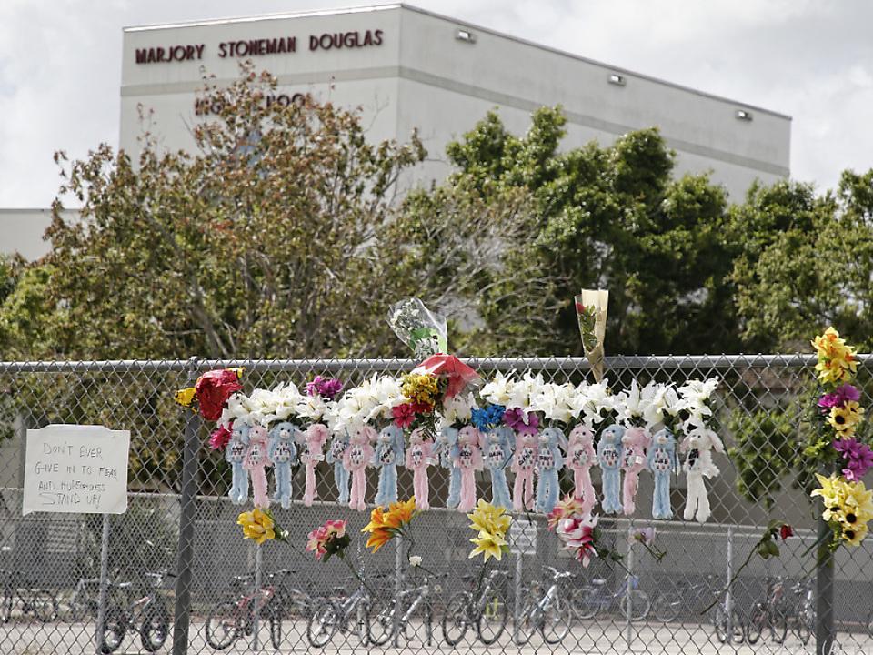Ein 19-Jähriger erschoss in der Schule 17 Menschen
