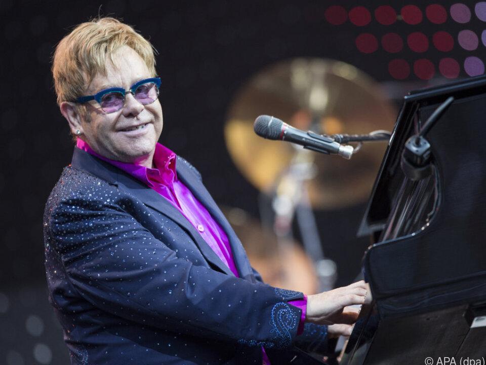 Elton John gilt als heißester Kandidat für einen Gig bei der Hochzeit
