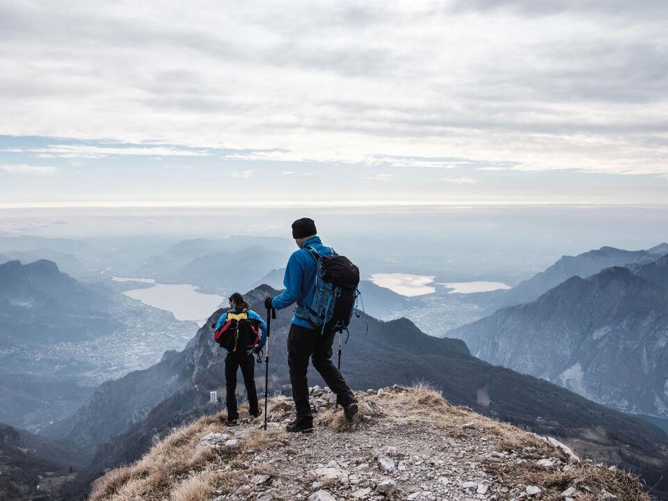 Berg Wandern Trekkers during hiking on the mountains