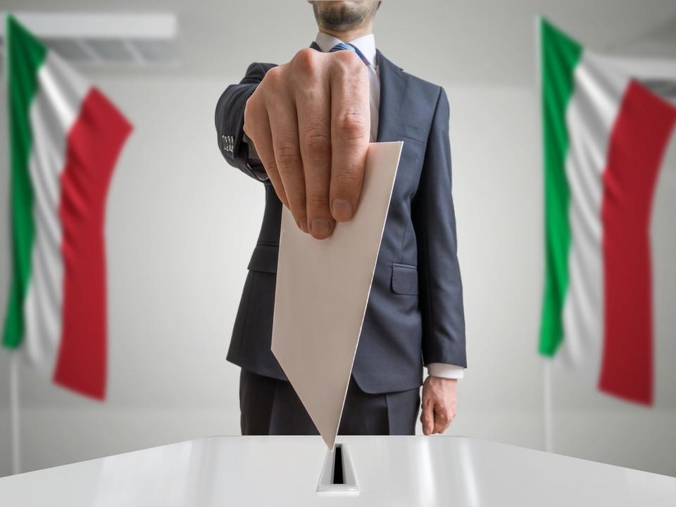 italien wahl wahlurne trikolore
