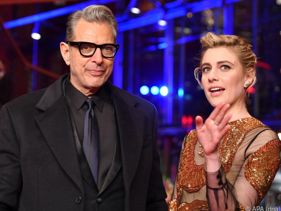 Greta Gerwig, hier mit Jeff Goldblum, genießt ihre Arbeit als Regisseurin