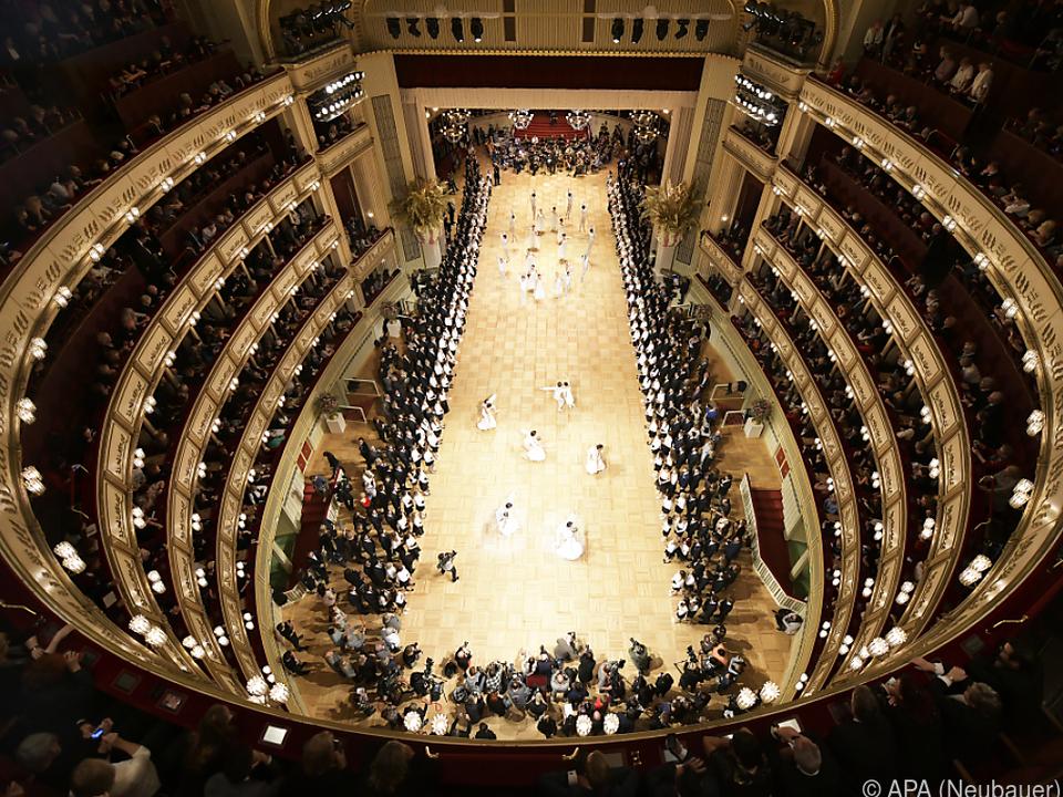 In der Oper wird wieder getanzt und gefeiert opernball