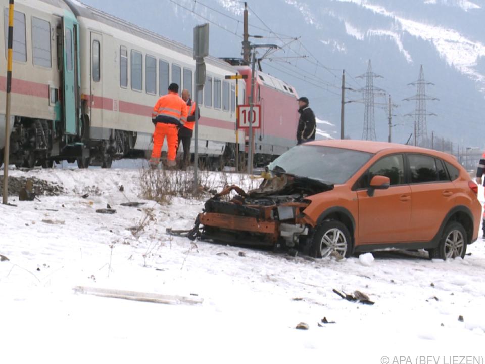 Kollision von Pkw und Zug in der Gemeinde Öblarn
