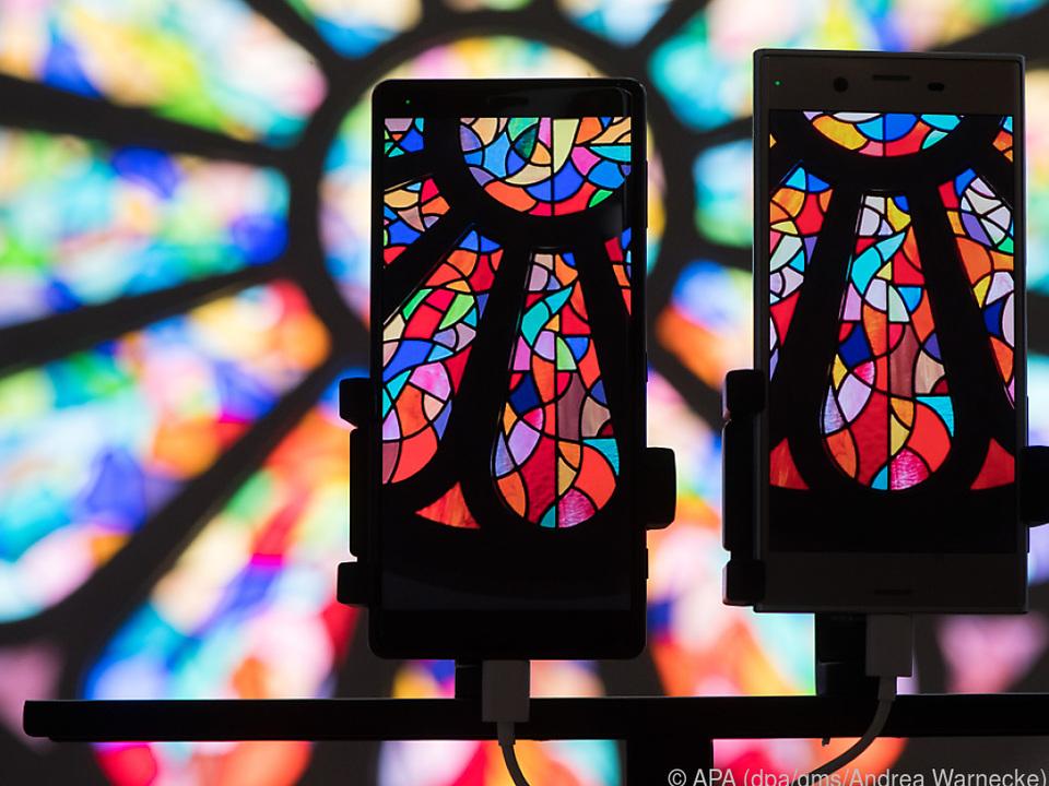 Die Kamera zeichnet mit erweiterten Farb- und Kontrastumfängen auf