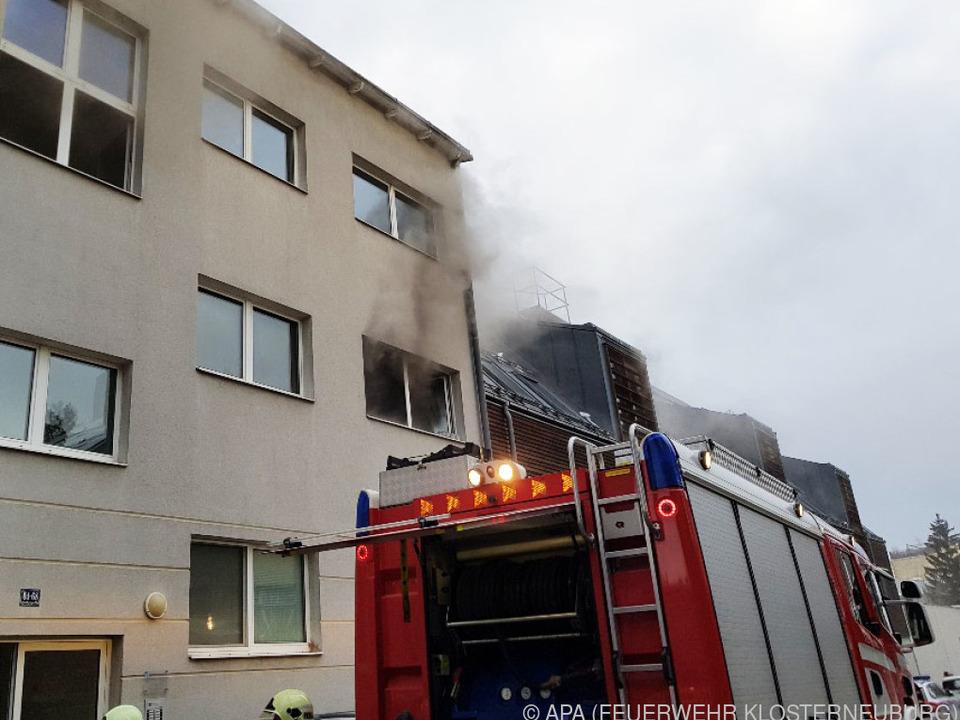Nachbarn bemerkten den Rauch