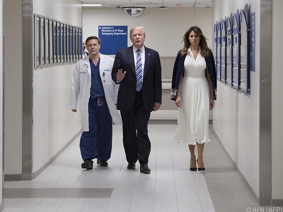 Präsident Trump mit First Lady Melania im Spital