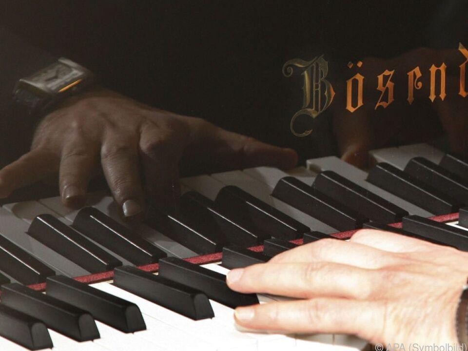 Preise gibt es u.a. für Gesang und Klavierspiel