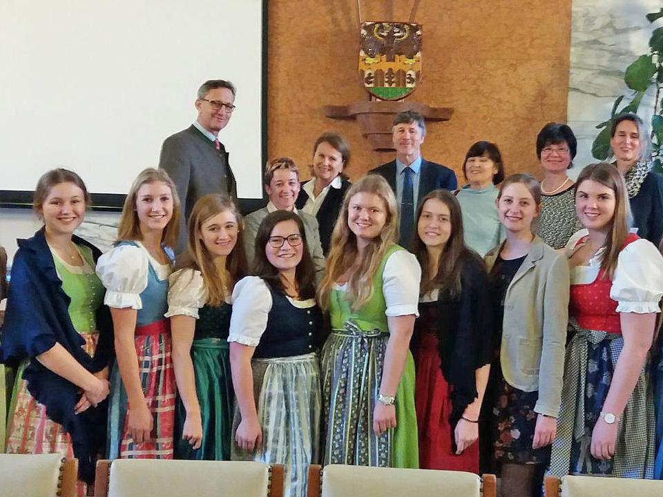 salzburg-praktikantinnen