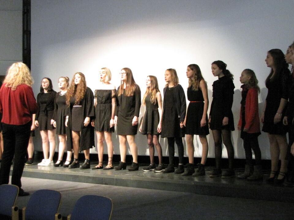 vokalensemble-young-voices-unter-der-leitung-von-waltraud-pornbacher