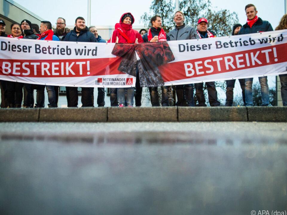 Warnstreiks in Bayern und Baden-Württemberg