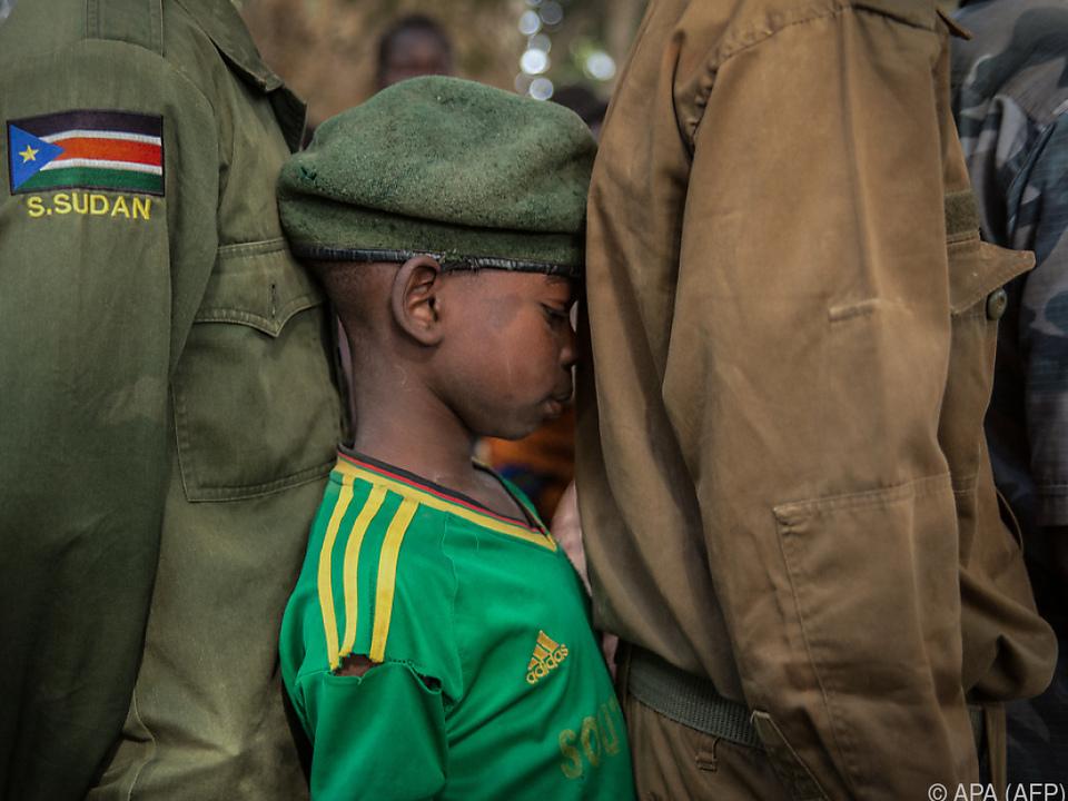 Zehntausende Kindersoldaten noch im Einsatz