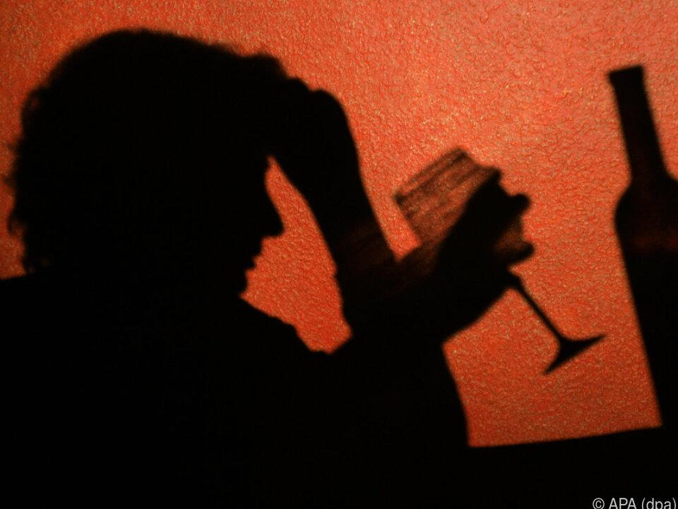 sym Alkoholsucht ist nicht nur ein Randgruppen-Phänomen