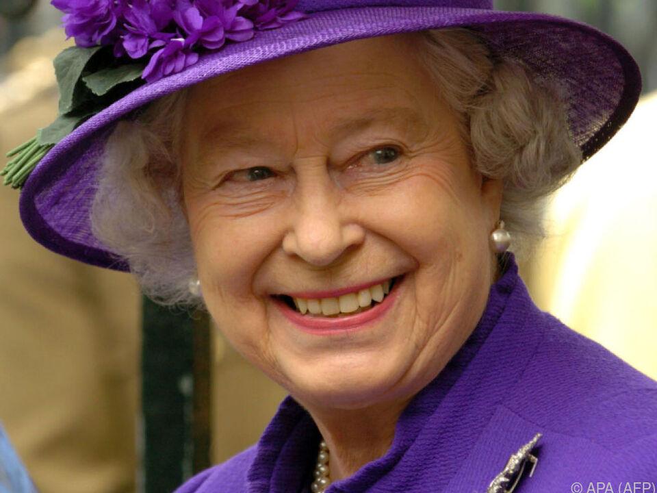 Der Queen wurde gesagt, es sei ein Feuerwerkskörper gewesen