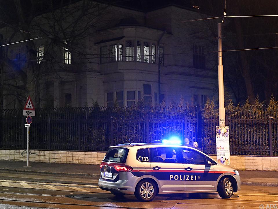 Der Verdächtige sei zuvor polizeilich nicht auffällig gewesen