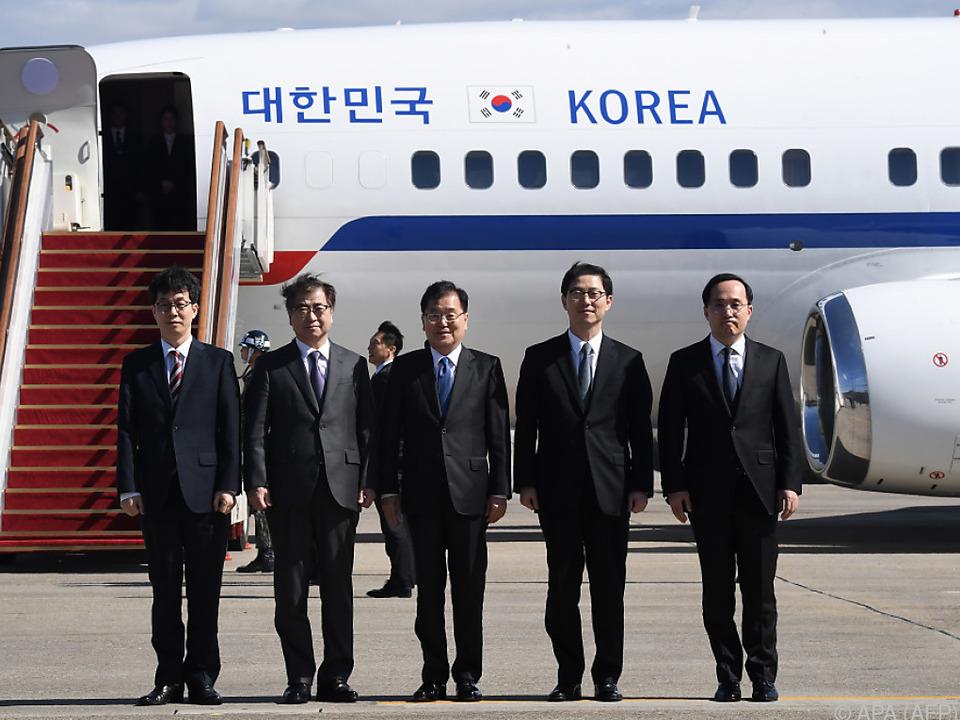 Die südkoreanische Delegation vor dem Abflug