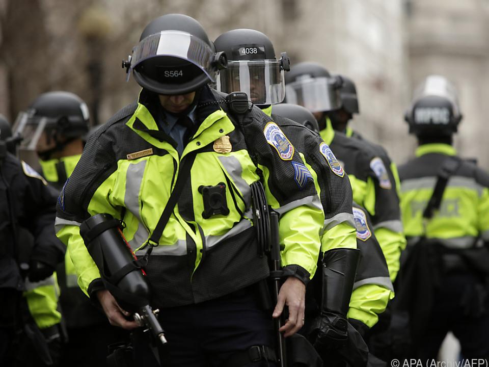 Einmal mehr Großeinsatz der Polizei nötig