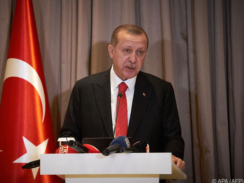 Erdogan soll mit dem Gesetz einen Machtverlust vorbeugen wollen