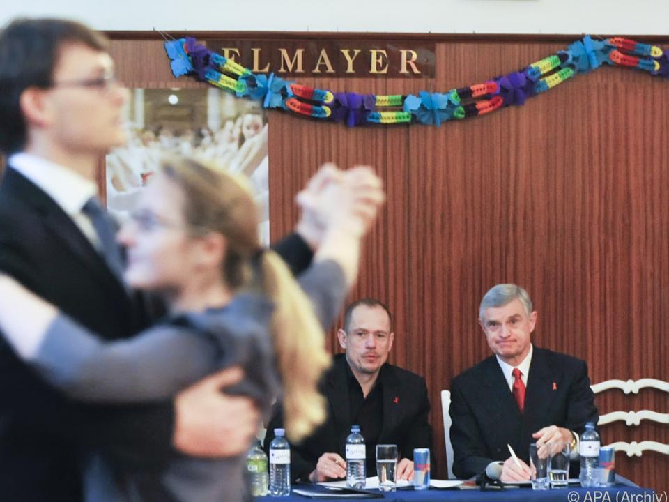 Gery Keszler und Thomas Schäfer-Elmayer als strenge Jury