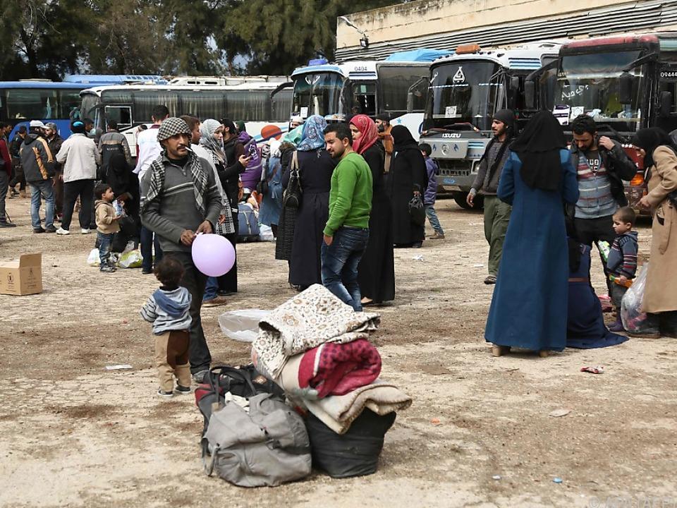Hunderte Zivilisten verließen Ost-Ghouta